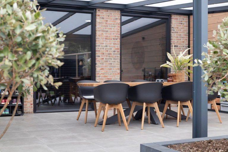 Kozijn & Zo Hoogvliet - zwarte kunststof kozijnen in Rozenburg - vaste ramen - het genieten kan beginnen