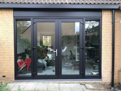 Kozijn & Zo Hoogvliet - zwarte kunststof kozijnen in Spijkenisse - openslaande tuindeuren